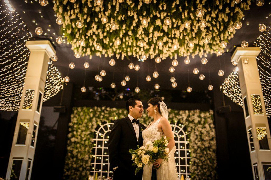 Más magia y romance - ¿Boda de día o de noche? Ventajas y desventajas que te ayudarán a elegir el horario ideal para tu boda.