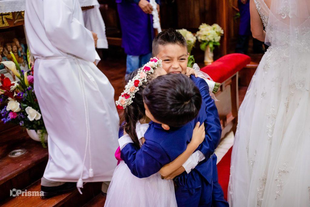 Recomendaciones para realizar la confirmación de asistencia de invitados a tu boda - Boda de Lucero y Alex