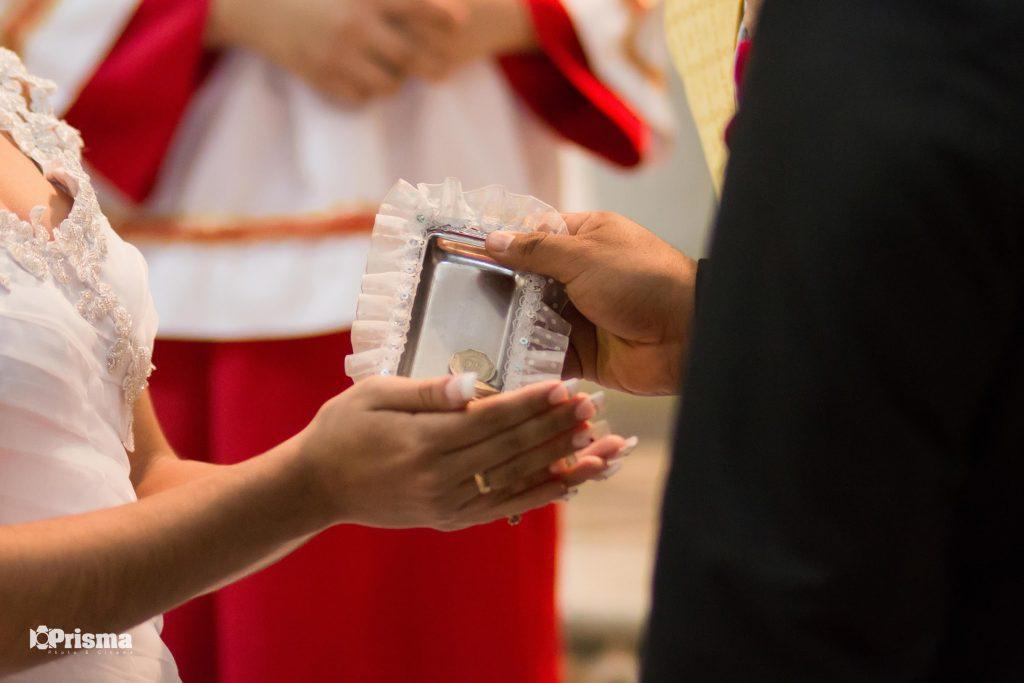 Las arras - 15 Tradiciones de boda que toda pareja debe conocer - El blog de Su - Susana Morales Wedding & Event Planner