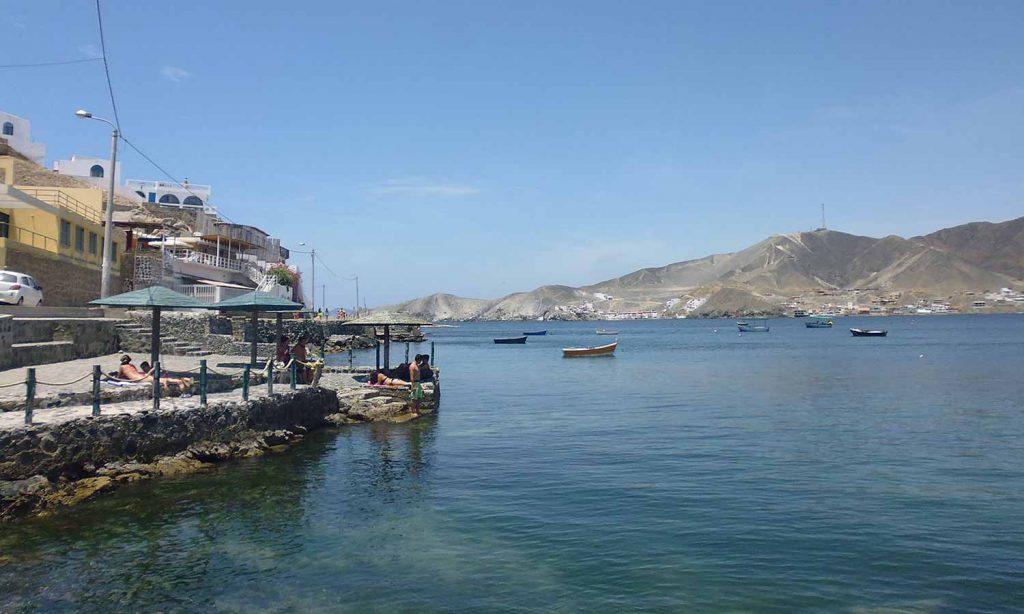 Playa la Tortugas - 5 Destinos para luna de miel y sesiones de fotos en Ancash - El blog de Su - Susana Morales Wedding & Event Planner