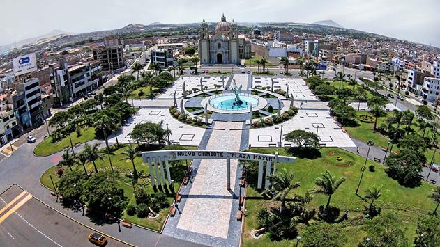 Plaza Mayor de Nuevo Chimbote - Destinos increíbles para luna de miel y sesiones de fotos en Ancash - El blog de Su - Susana Morales Wedding & Event Planner