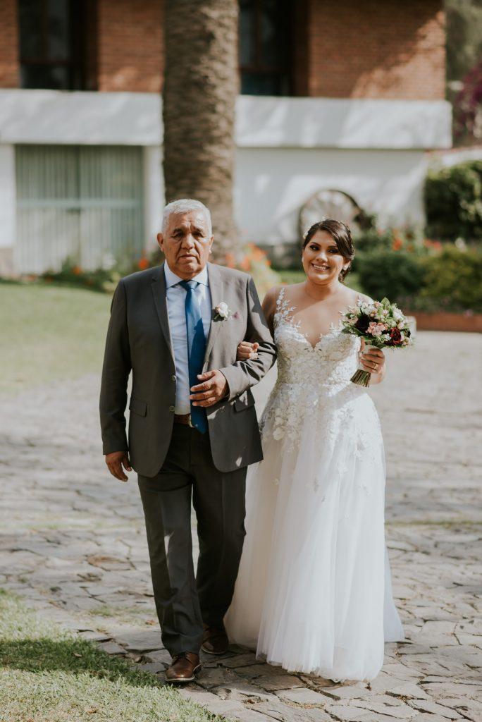 Padre e hija - 15 Tradiciones de boda que toda pareja debe conocer - El blog de Su - Susana Morales Wedding & Event Planner